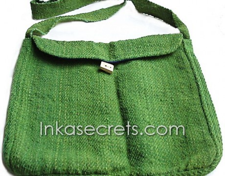 01 Green handbag of sheep wool